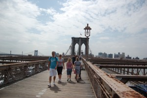Brooklyn Bridge, mot Brooklyn