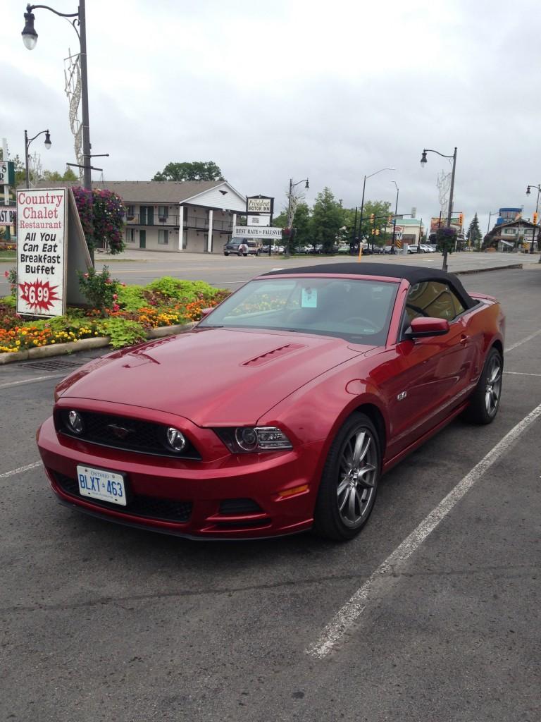 Dette er den første bilen jeg fikk, før jeg byttet den mot en sort identisk (uten fartssperre)